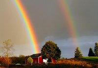 Rainbow_over_barn